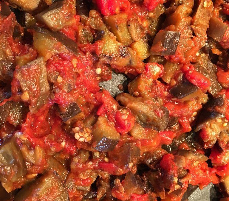 Petite poêlée express d'aubergines à la tomate